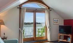 The-Anchorage-Inn-601-Living-V4