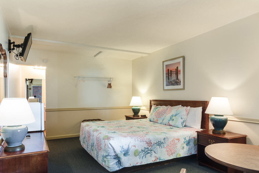 The Anchorage Inn | King Bed