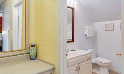 The Anchorage Inn - Room 601 l Bathroom