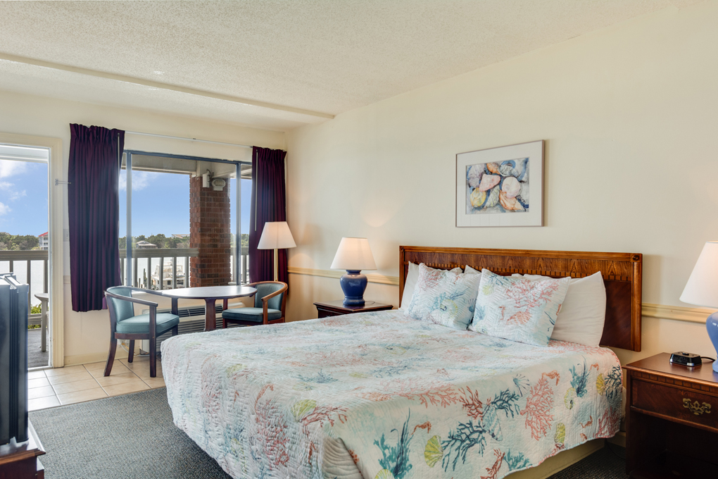 The Anchorage Inn | King Bedroom